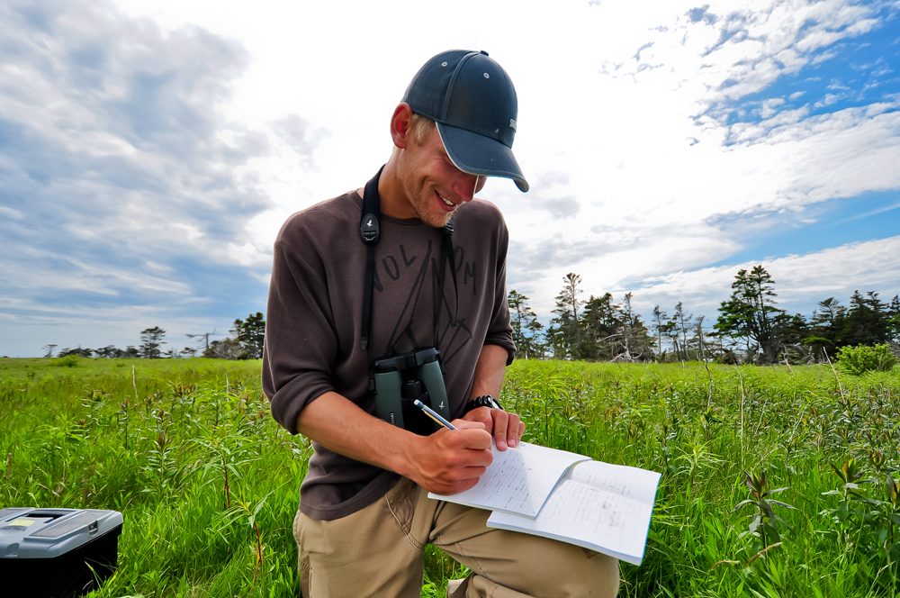 Jesse Pakkala in the field (photo by S. Doucet)
